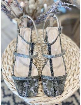 Sandales à talons plat